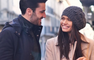 How To Attract Women Effortlessly (By Doing LESS)